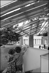 Amore tutto questo un giorno sarà tuo (surf_silvietta) Tags: london gallery gehry architettura serpentine