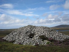Barpa Langass - huge chambered cairn