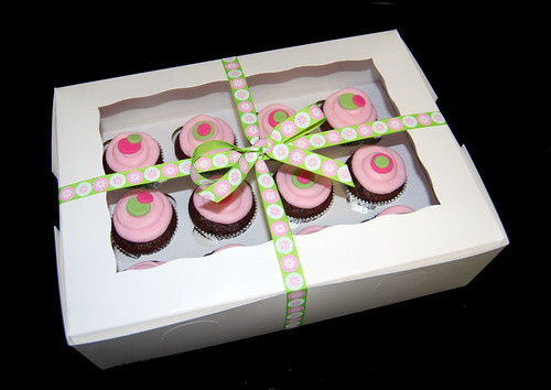 Boxed birthday cupcakes pink and green