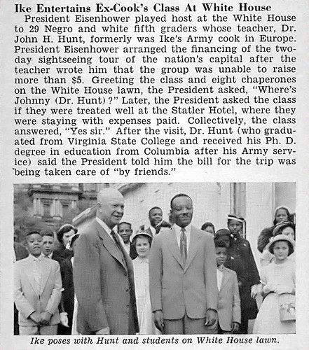 President Eisenhower Entertains Ex Cook's Class at White House - Jet Magazine, May 20, 1954 por vieilles_annonces.