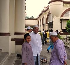 Suasana Raya #1 (Azmi Bogart) Tags: prayer bogart kuala hariraya kota masjid aidilfitri lumpur azmi bharu sembahyang eidfitr muhammadi