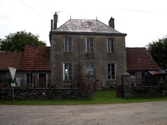 Montaigut-le-Blanc, France (maisonburke) Tags: houses homes france abandoned buildings shabby residencies montaigutleblanc oncewashome