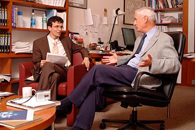"""Robert S.Kaplan - """"cha đẻ"""" của Balanced Scorecard và bài học thành công"""