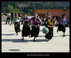 Basket370 (-Karonte-) Tags: nikoncoolpix8700 coolpix8700 chenalho indigenaschiapas indigenouschild niñosindigenas josemanuelarrazate