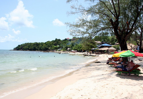 Sihanoukville-Occheuteal beach3