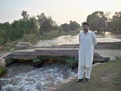 Ali Ahsan Warraich At the Canal 51/12-L Chichawatni (mr.chichawatni) Tags: pakistan ali punjab ppp cheema jutt chichawatni sahiwal warraich pp225
