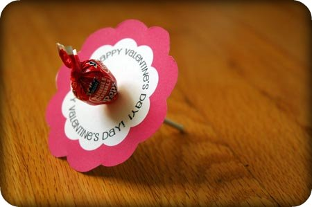 DIY lollipop flower for Valentine's Day