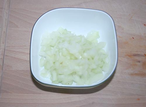 11 - Zwiebel würfeln