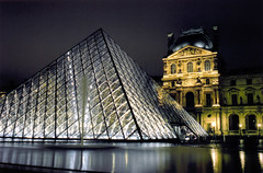 Paris (Peter Gutierrez) Tags: photo europe european la france french français française paris parisien parisiennes parisiens parisienne musée louvre museum pyramid pyramide pei building buildings futuristic glass architecture structure urban city town night evening dark peter gutierrez petergutierrez nocturne nocturnal nacht notte noche nuit film photograph photography
