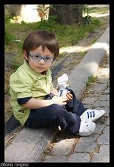 Minik Gen (Sinan Doan) Tags: istanbul ocuk estambul insan isztambul  sinandoan  istanbulphotos istanbulfotoraflar