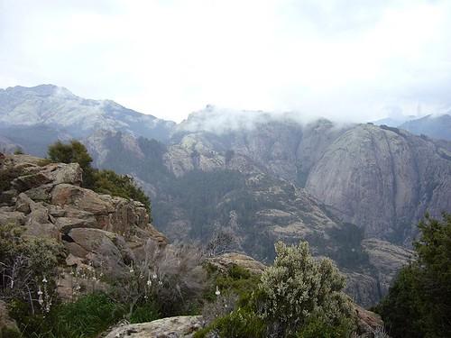 De Firullettu en regardant vers le Spurtellu (qui se situe derrière la crête rocheuse du milieu de plan)