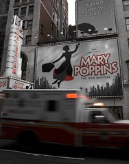 (deep_onion) Tags: red newyork mary broadway utata poppins cmwdr veterinarifotografi deeponion