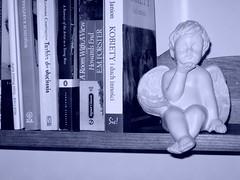 Anioł (Gips i pewnie coś jeszcze), półka lite drewno sosnowe bejcowane