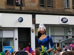 What are you Looking At? (Bricheno) Tags: west festival scotland glasgow escocia parade end mardigras szkocja schottland byresroad scozia cosse westendfestival  esccia   bricheno scoia