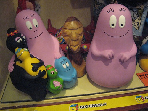 79. Mr. Hunter poses with the Barbapapas