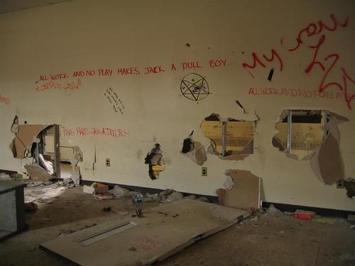 Unoriginal graffiti near the now defunct library