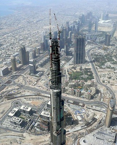 Burj Dubai, Worlds Tallest Building under construction [flickr israel_is.live]