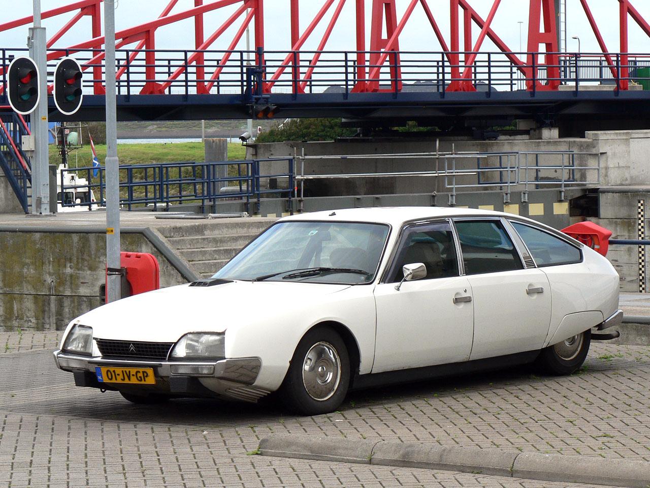 Citroën CX. go back
