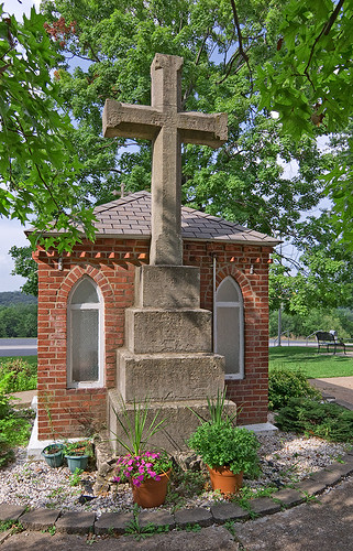 Saint John the Baptist Roman Catholic Church, in Villa Ridge (Gildehaus), Missouri, USA - outdoor cross