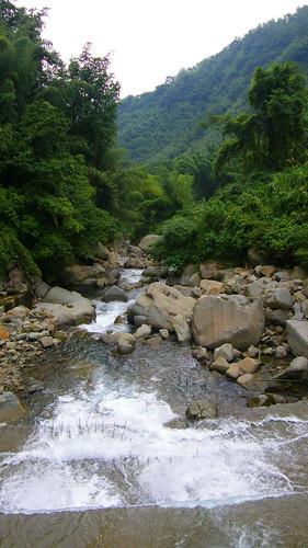 68.聲勢驚人的神秘谷溪流 (1)