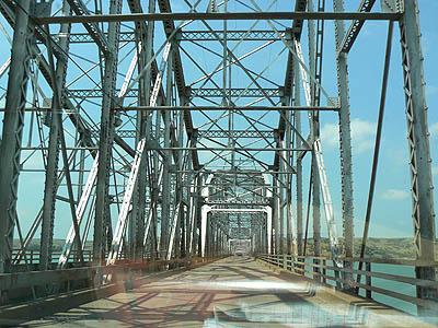 pont sur le missouri.jpg