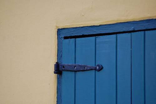 blue hinge