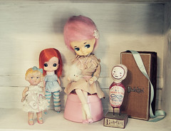on the island of misfits (Ragazza*) Tags: vintage pose handmade bisque kamar ilovethemall dollsdollsdolls polapaolazakimibulletgirl