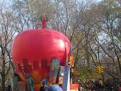 macy's parade (rena5) Tags: thanksgiving newyorkcity usa manhattan macysparade viktoria centralparkwest
