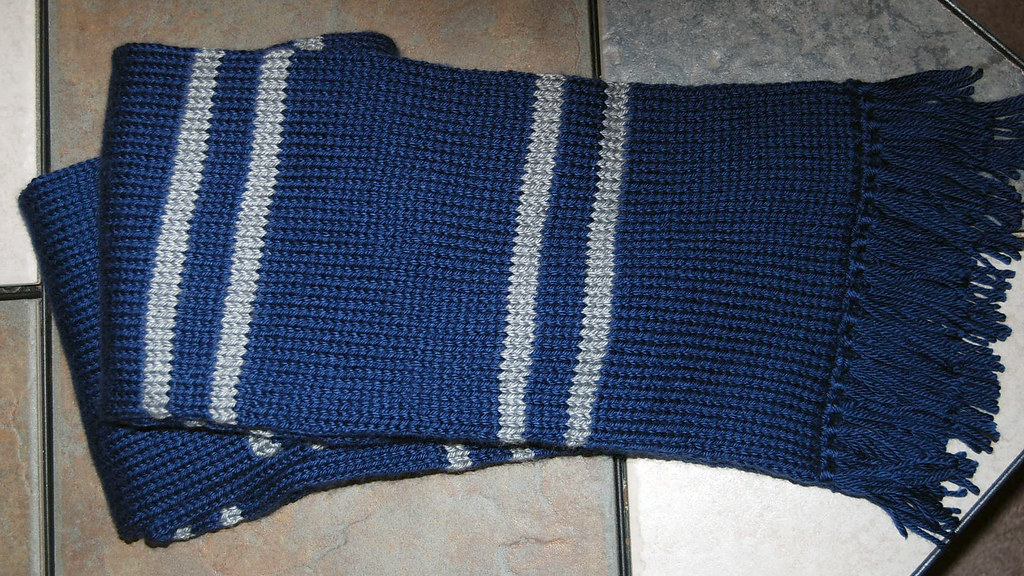 Ravenclaw Scarf Knitting Pattern : Harry Potter Ravenclaw Scarf - KNITTING