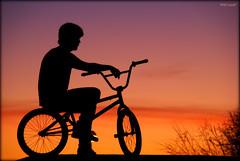 Bmx & Music (Seracat) Tags: barcelona sunset music sol silhouette atardecer bmx bcn catalonia cycle catalunya silueta puesta hdr noi myfavs joven barcelons catalogne bicileta capvespre sonya100 abigfave flickraward seracat