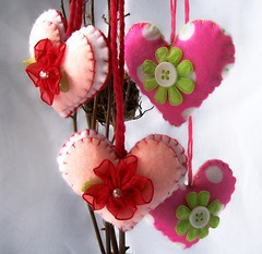 small attached hanging hearts (Beyond.the.Box) Tags: pink red de hearts purple handmade buttons valentine pearls polkadots handcrafted handsewn etsy fiberart embellishments toto embroidered homedecor valentinesday icones glassbeads pinkandblack holidaydecor shabbychic feltflowers satinribbon buglebeads thinkoutsidethebox feltornaments felthearts childrensdecor organzaflowers buttondesigns thinkoutsidethebox2008ornaments