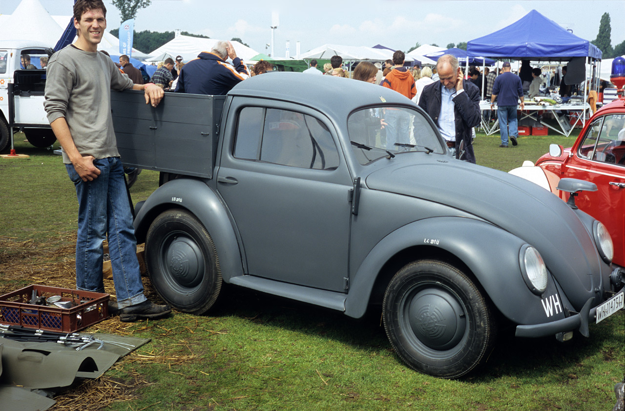 VW pick-up, wartime replica