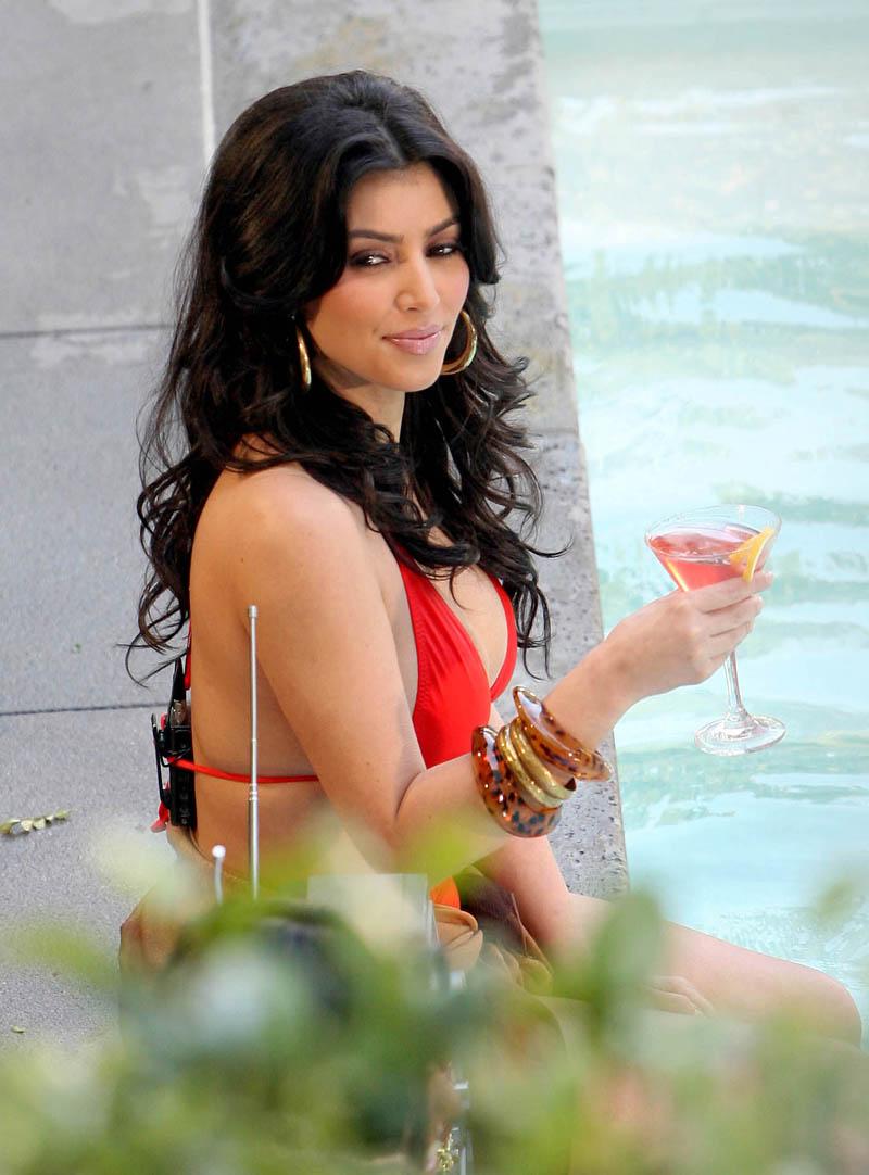 kim kardashian bikini images
