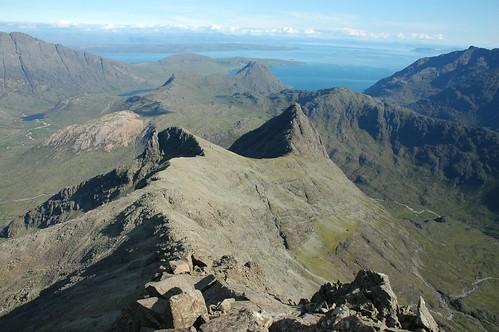 The ridge down from Sgurr nan Gillean to Sgurr Beag and Sgurr na h-Uamha
