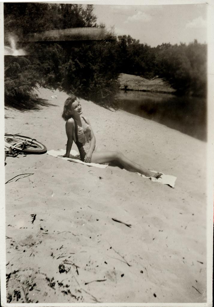 Gloria and the Amateur Photographer