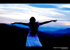 (Smevin Paul - Thrisookaran !! www.smevin.com) Tags: morning blue sky india girl sunrise paul nikon candid kerala contact 1855 deepa thrissur trichur vagamon kuriachira smevin smevinpaul vakeel aplusphoto d40x trisoor malayalikkoottam thrisookaran