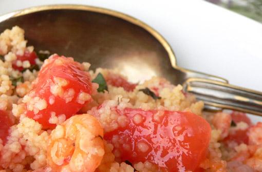 Couscous mit Wassermelone und Shrimps