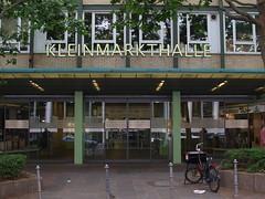 Kleinmarkthalle Frankfurt, Haupteingang Ost (avronaut) Tags: city frankfurt ffm mainhattan kleinmarkthalle bankfurt