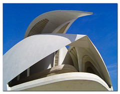 Detail, Valencia Opera House (jmhdezhdez) Tags: city travel bridge copyright espaa abstract building art history tourism water glass valencia architecture river spain opera europe arte edificio hamilton arts engineering ciudad cable f1 ferrari paseo calatrava curve curved alameda alonso modernarchitecture raikkonen masa sciences stay agora santiagocalatrava allrightsreserved vidrio espania ciudaddelasartesylasciencias pritzker curving espanya turia arquitecto artcafe hormign ingeniera kovalainen ingeniero trencadis principefelipe renaultf1team mywinners abigfave serrera cityoftheartsandsciences ciudaddelasartesylascienciasdevalencia arquitecturacontempornea granpremiof1 httpwwwjmhdezhdezcom contactjmhdezhdezcom globalworldawards josmiguelhernndezhernndez frmula1valencia cityoftheartsandthesciencesofvalence puentedelaserrera artcafedomidoexhibitionscomein wwwjmhdezhdezcom