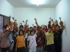 yeah we start  violinwonderland 2008 (geertjepodevyn) Tags: new 2008 hilltribe violinists