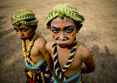 Kids dressed for Kuda Lumping dance, Java, Indonesia (Eric Lafforgue) Tags: festival kids feast children indonesia java dance kid asia child makeup explore fete asie enfants tradition enfant maquillage indonesie borobudur indonesi indonesien headdress headwear borobodur headgear  indonsie coiffe  indonezja 6350 kudalumping lafforgue indoneesia   endonezya indonezija    indonzia indonezia kudalemping indnesa  indonzija indonezio indoneziya indonisa