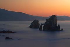 Crepúsculo en San Juan de Gaztelugatxe (dnieper) Tags: sunset atardecer puestadesol crepúsculo digitalcameraclub sanjuandegaztelugatxe