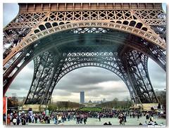 Paris_torre_eiffel (vmribeiro.net) Tags: paris france tower torre tour frança eiffel champdemars aplusphoto