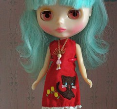 with necklace, pink eyes