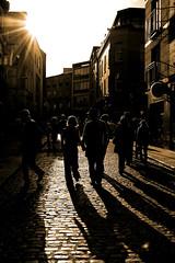 the dubliners (adudi) Tags: city ireland shadow people dublin woman man beer walking nikon afternoon shot centro young sunny center shot2 persons templebar dublino irlanda dubliners gentedidublino nikond40 adudi