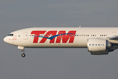 TAM Linhas Aéreas Boeing 777-32W (ER) PT-MUA (25578) (Thomas Becker) Tags: plane germany airplane geotagged deutschland airport nikon raw hessen saopaulo frankfurt aircraft boeing d200 tamron flugzeug 777 tam spotting fra gru 200500 fraport rheinmain b777 noseshot eddf 777300er aerotagged luftfahrzeug b777300er aero:series=300 aero:man=boeing aero:model=777 aero:airport=eddf aero:special=er linhasaéreas aero:airline=tam ptmua aviationphoto 77732wer geo:lat=50039323 geo:lon=8596877 jj8070 081129 b77732wer aero:tail=ptmua
