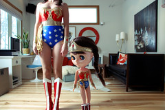 Wonder Girls at home (The 10 cent designer) Tags: wonderwoman kenner blythe agathe 10cent grandmamamadeit