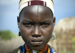 Erbore woman portrait Ethiopia (Eric Lafforgue) Tags: africa travel portrait people face closeup collier necklace serious couleurs african ace decoration tribal bijou pearls adventure angry blackpeople omovalley ethiopia tribe ethnic tribo jewel visage ethnicity headdress pres afrique headwear headgear tribu ethiopian omo eastafrica thiopien abyssinia cloeup perles ethiopie etiopa serieux blackskin arbore coiffe tribalportrait colorpicture ethnique 4094 abyssinie  ethnie  photocouleur erbore etipia  southethiopia afriquedelest colourpicture     cluleur ethiopiedusud valleedelomo bienvenuedansmatribu peoplesoftheomovalley