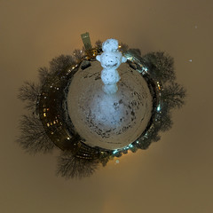 one (snow)man-planet (HamburgerJung) Tags: schnee panorama snow night germany deutschland nacht hamburg altona ottensen stereographic hugin schneeman da1017 nn5 k10d kugelpano