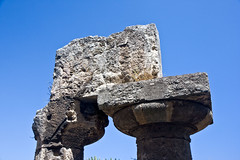 342 Sicily - 11 August 08 (RoCam) Tags: summer italy history ancient capital pillar columns historic syracuse historical sicily civilization column pillars civilizations civilisation sicilia ancientgreece capitals ortygia ancientgreek civilisations chapiter chapiters